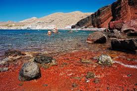 Греция фото красный пляж